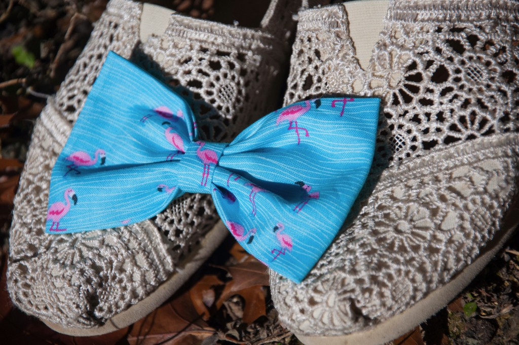 Lace toms and flamingo bow
