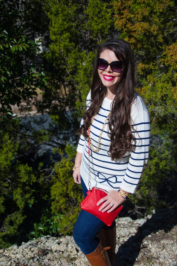 Striped bows with a red crossbody