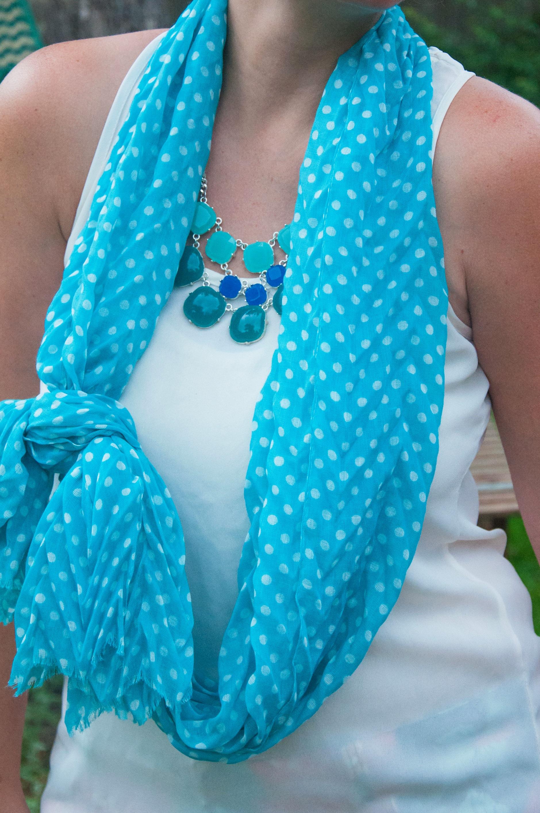 Fraas Dottie scarf
