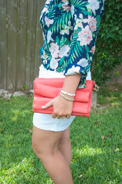 Coral bow handbag with tropical outfit