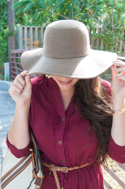 Fall felt brimmed hat with burgundy