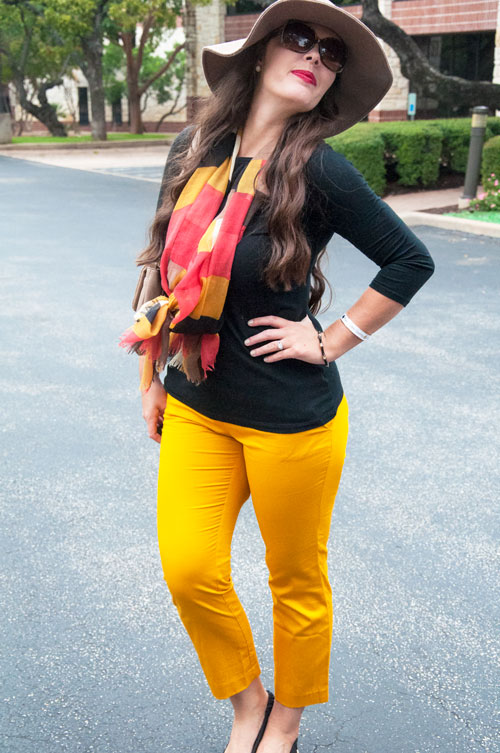 Outfit inpiration for fall- black and mustard