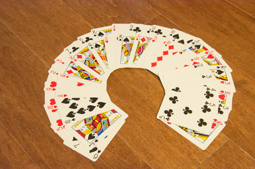 Queen of hearts card collar