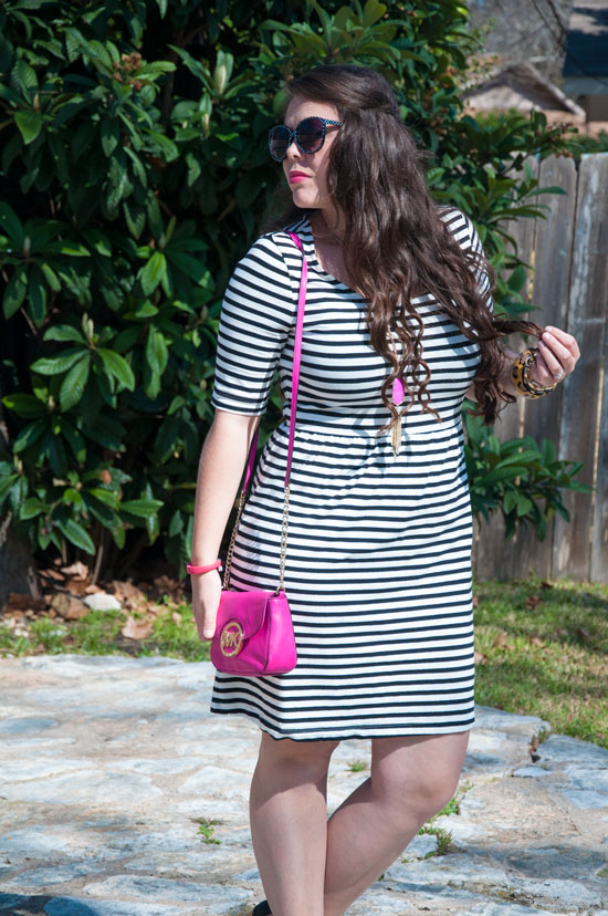 Black and white striped Old Navt Dress with pink necklace and purse