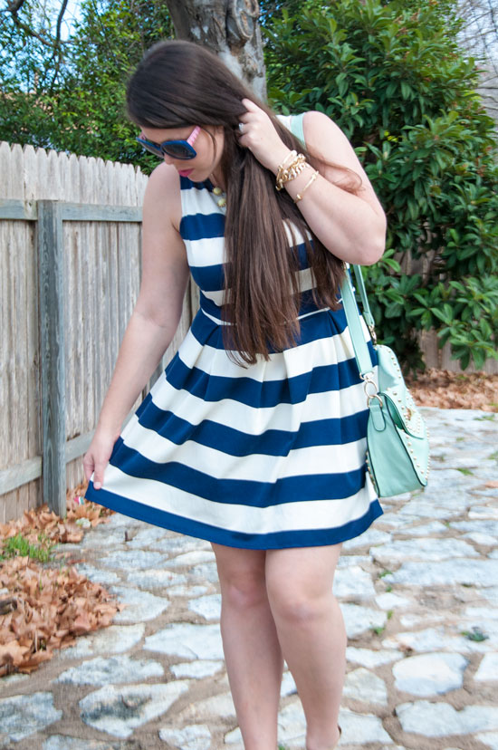 Nautical look- Navy and white stripes with mint